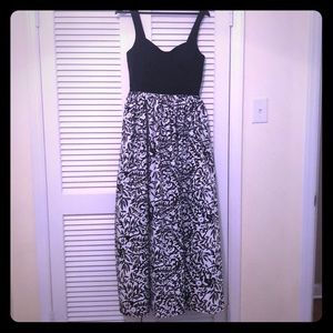 Used Floor Length Black/White Gown